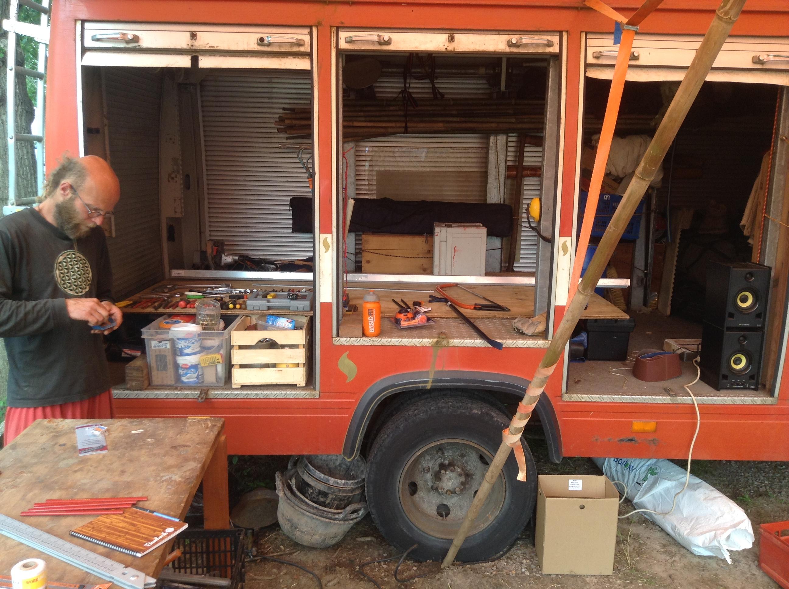 De brandweerbus / gereedschapwagen