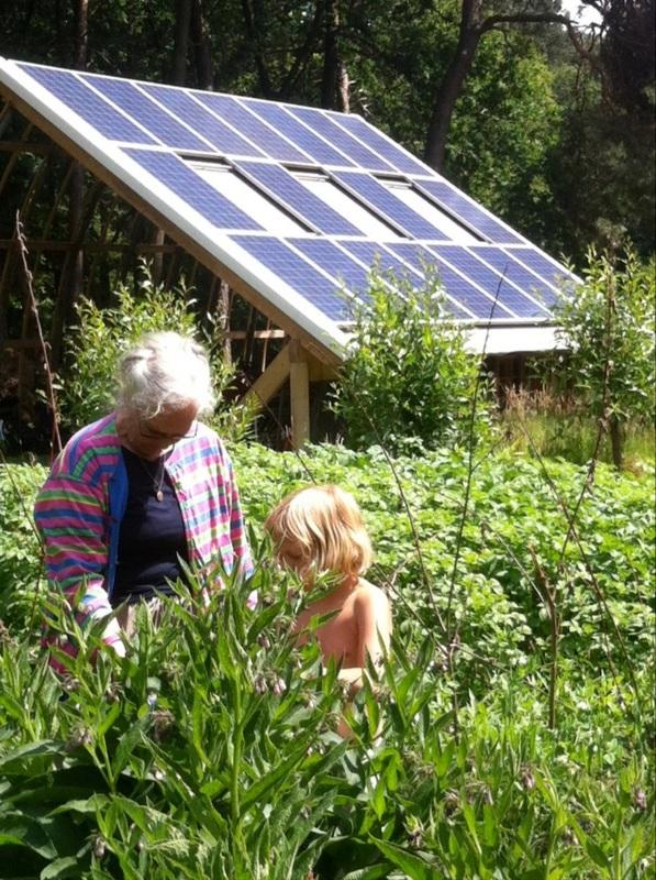 Buitenkeuken met zonnepanelen